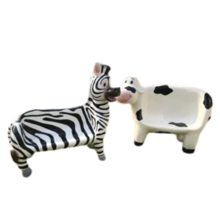 Ghế composite thiết kế bò sữa dễn thương cho  bé