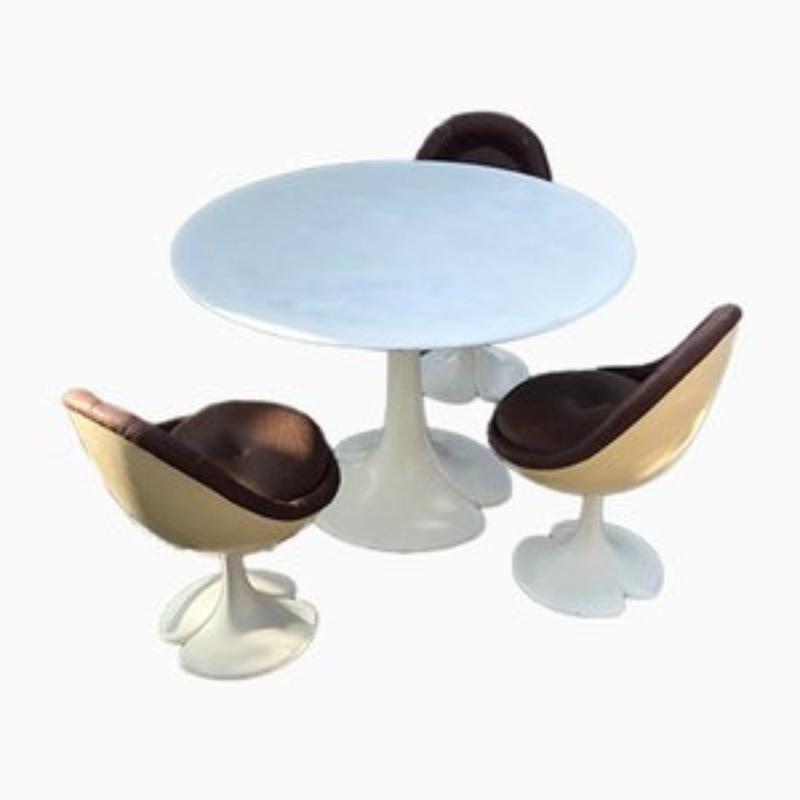 Bộ bàn ghế ăn bằng nhựa composite cao cấp