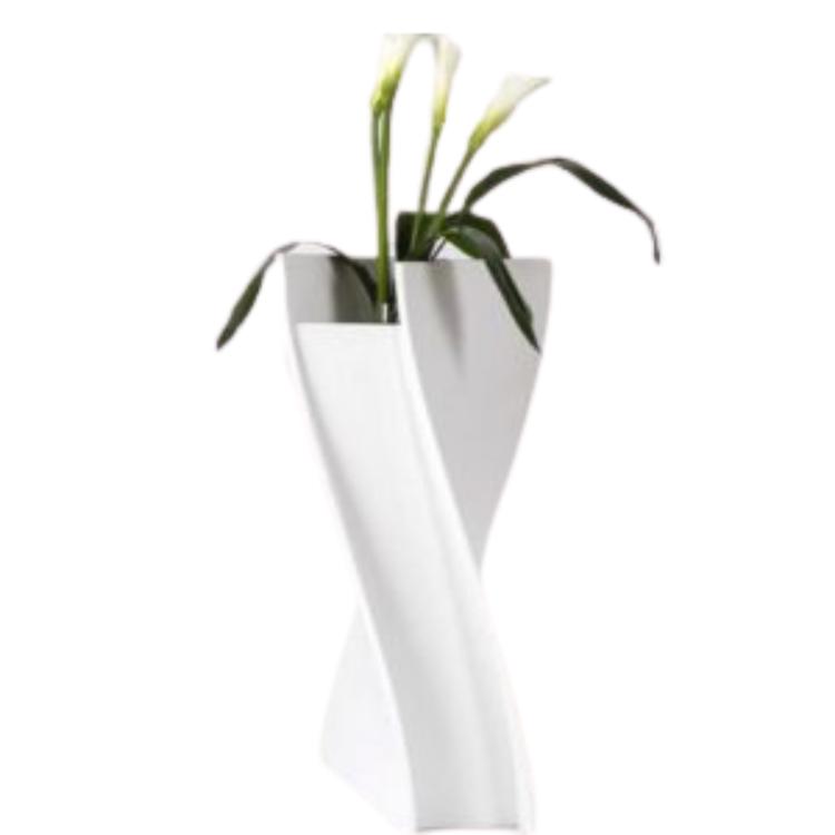 Chậu hoa sân vườn thiết kế độc đáo tính tế