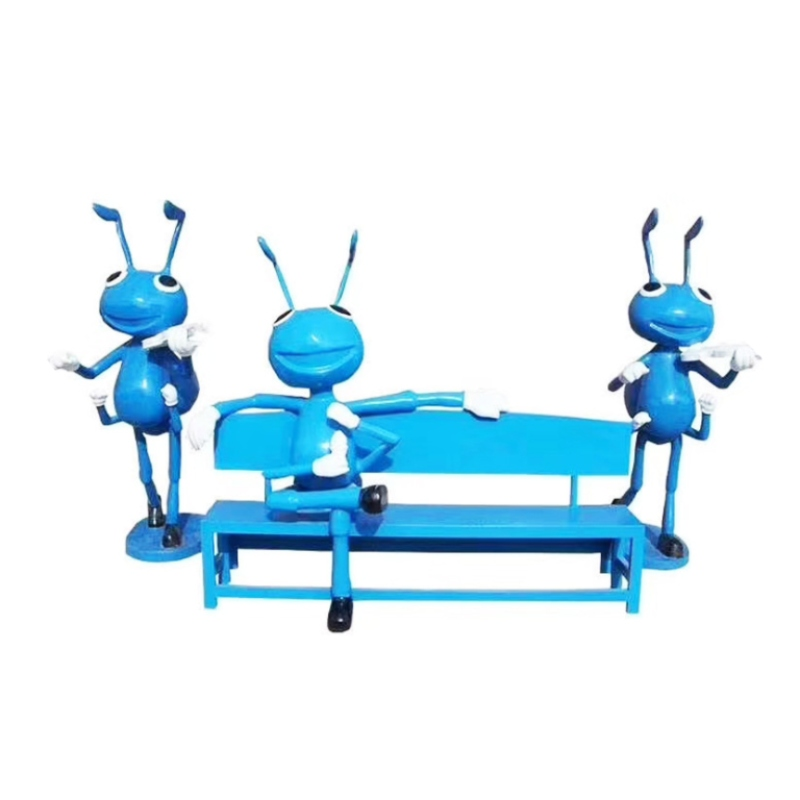 Ghế công viên kèm mô hình chú kiến xanh bằng nhựa composite